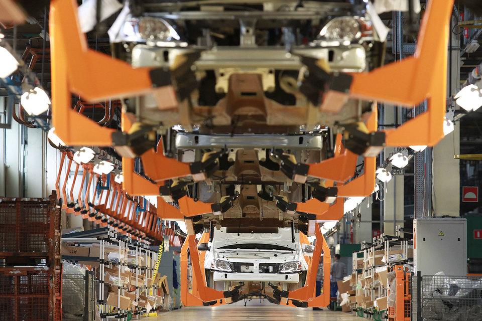 Ранее о планах увеличить в 2017 г. экспорт говорили, в частности, президент «АвтоВАЗа» Николя Мор (на 50%) и гендиректор «Камаза» Сергей Когогин (на 10-15%)