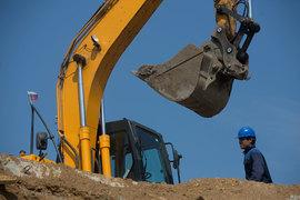 По словам представителя администрации, предстоит отмена градпланов на строительство в общей сложности около 400 000 кв. м.