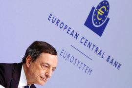 Процентные ставки в еврозоне останутся на текущем уровне или ниже в течение долгого времени, заявил президент ЕЦБ Марио Драги (на фото), но и вечной чрезмерно мягкая кредитно-денежная политика не будет