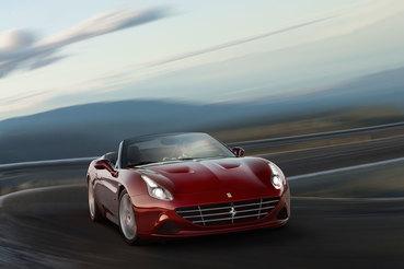 Ferrari California оказалась повседневным суперкаром: быстрым, комфортным и всегда приковывающим внимание проезжих и прохожих
