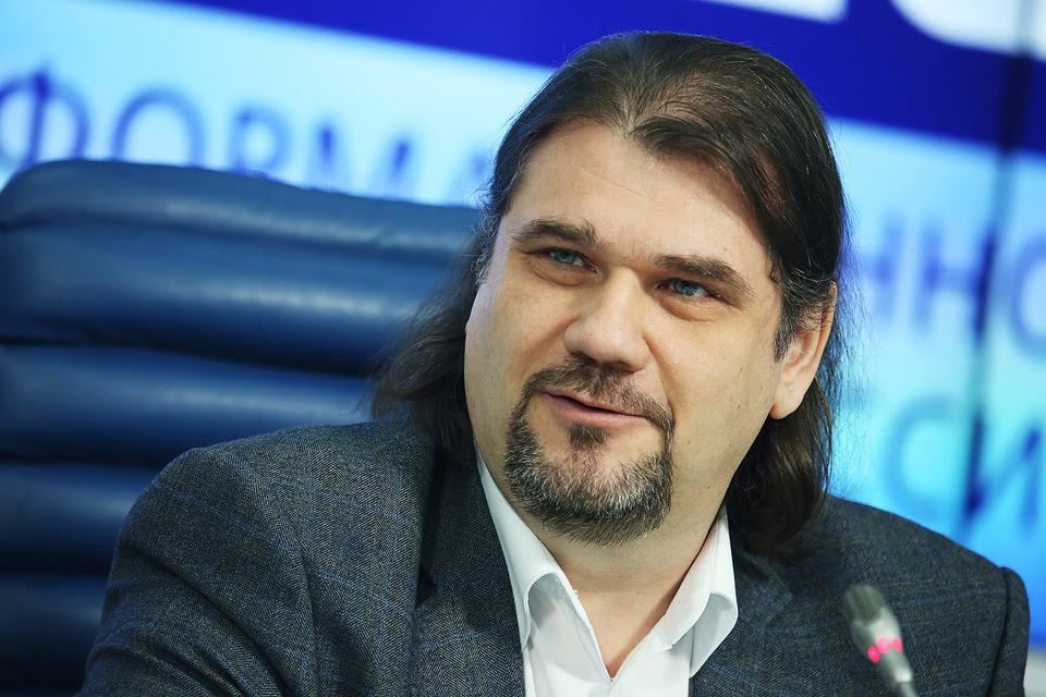 RNS: суд запретил Максиму Дмитриеву исполнять обязанности руководителя РАО