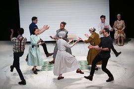 В секте шейкеров танец принято исполнять как религиозный обряд