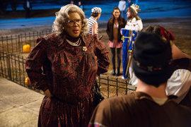 Кадр из фильма «Бу! Хэллоуин Медеи»