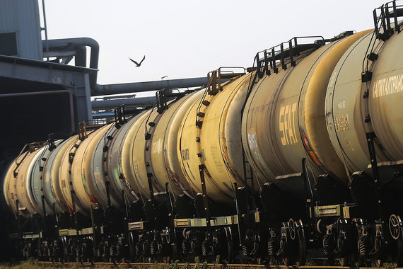 «Лукойл» и «Газпром нефть» просят не увеличивать тариф РЖД выше инфляции