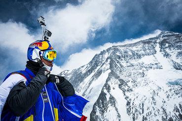 Покорение Эвереста чрезвычайно опасно – каждый год из сотен альпинистов успеха добиваются единицы