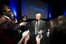 Гендиректор BlackBerry Джон Чен решил отказаться от выпуска  смартфонов