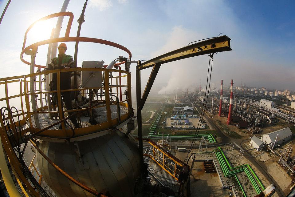 «Лукойл» небудет участвовать вприватизации «Роснефти»