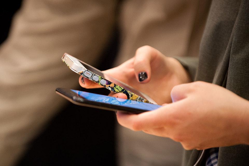 Жители России стали реже менять мобильные телефоны
