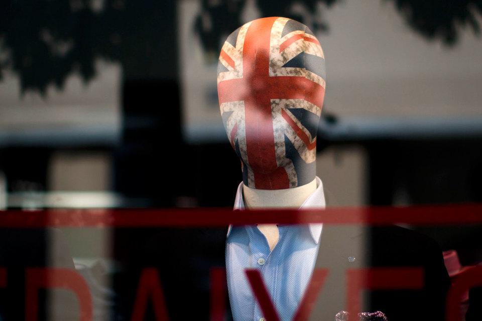 Еврокомиссия намерена до осени 2018 года согласовать с Великобританией основные положения Brexit
