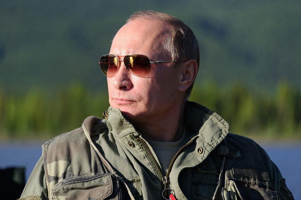 Почти две трети россиян хотят, чтобы Владимир Путин остался президентом и после 2018 г.