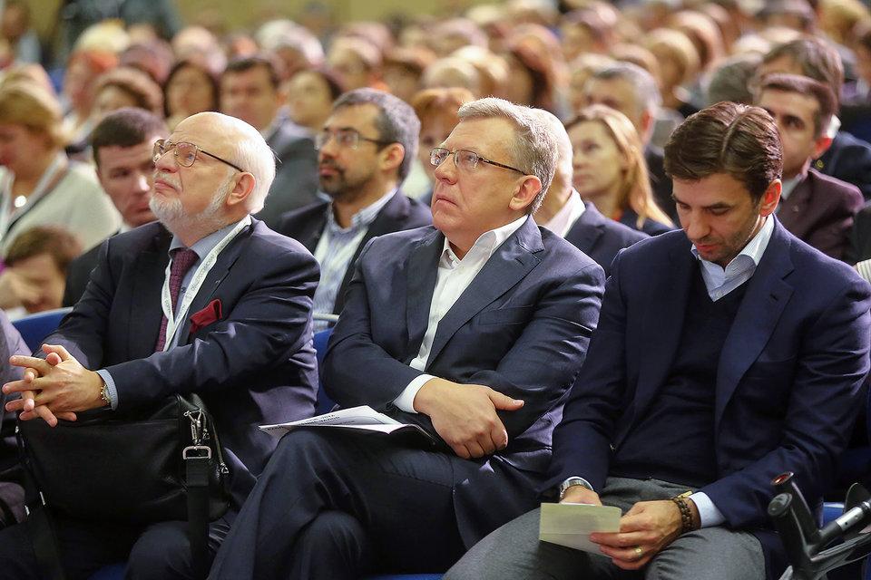 Участники форума (на фото слева направо: Михаил Федотов, Алексей Кудрин и министр по делам открытого правительства Михаил Абызов) по-разному смотрят на перспективы гражданского общества