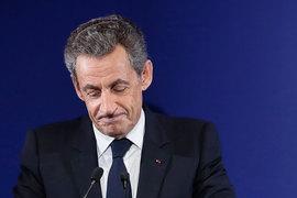 «Пора мне попробовать жизнь, в которой больше частных страстей, чем публичных», – констатировал Саркози, который признал свое поражение