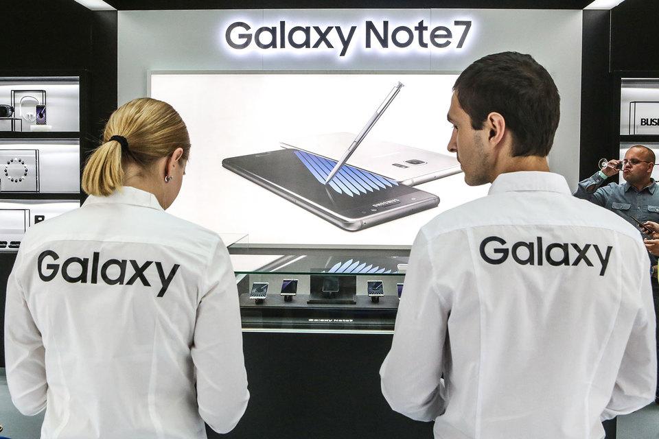 Новый флагман Samsung не оправдал возложенных на него ожиданий