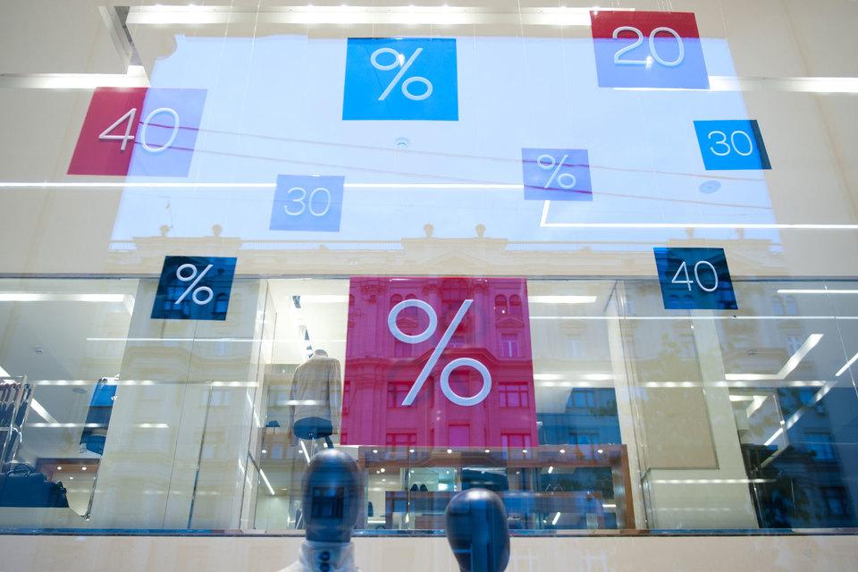 Магазины заявляют, что хотели бы сократить скидочные программы, но боятся отпугнуть покупателей