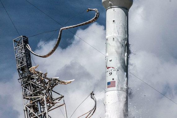 SpaceX может возобновить полеты в космос в декабре