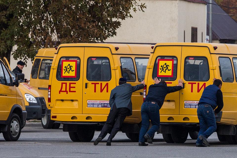 Правительство добавило почти 2 млрд руб. на закупку машин «скорой помощи» и школьных автобусов