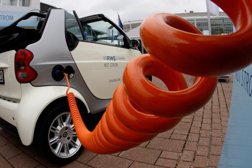 Daimler, BMW, Фольксваген иFord создадут вевропейских странах единую сеть зарядных станций