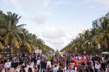 Ярмарка в Майами-Бич - самая веселая и тусовочная из трех Art Basel