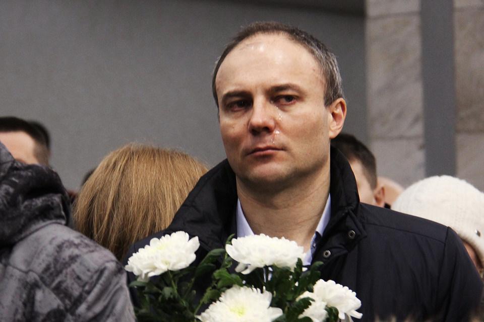 Бывший гендиректор «Северстали» Вадим Ларин на церемонии прощания с шахтерами