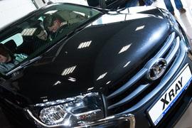Продажи Lada в России начали расти в июле, несмотря на сокращения рынка
