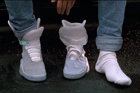 «Кроссовки будущего» уже в продаже