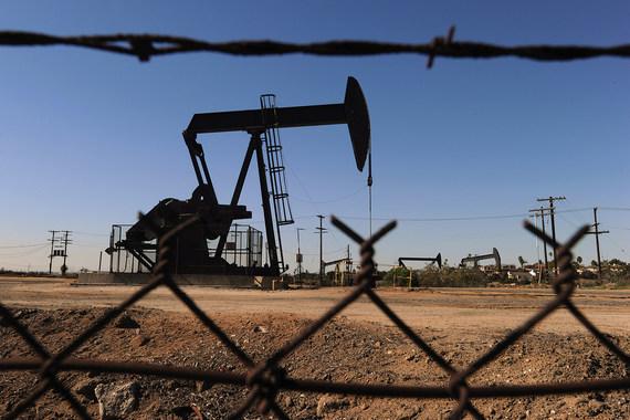 Нефтяникам выгоднее не сокращать добычу на новых месторождениях, имеющих льготы