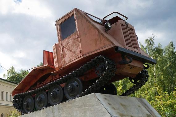 Часть активов «Тракторных заводов» достанется ВЭБу и «Ростеху»