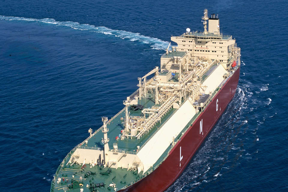У российских фанерных заводов появились новые заказчики – производители СПГ-танкеров