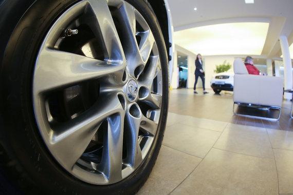 В ноябре продажи легковых автомобилей выросли впервые за два года