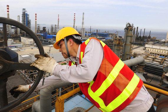 Китаю не хватает труб для российской нефти