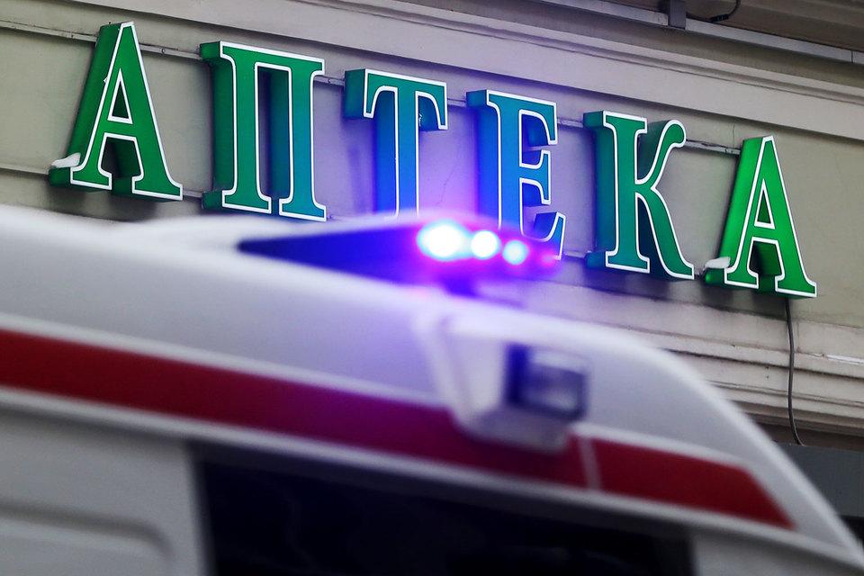 Медведев приостановил продажу непищевых спиртосодержащих жидкостей на месяц