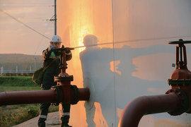 Приватизация «Роснефти», которая сама в октябре купила «Башнефть», оставила много вопросов
