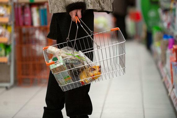Быстрее всего дорожало продовольствие (20,8% в среднем за год, к декабрю темп роста замедлился до 14,3%)