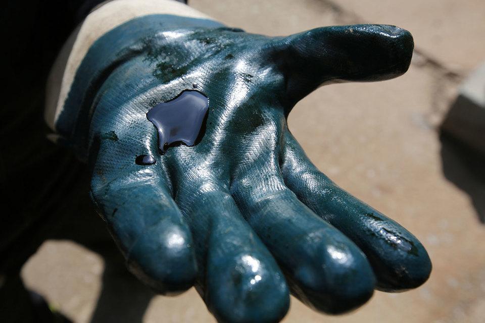 В бюджет капает все меньше нефтяных денег