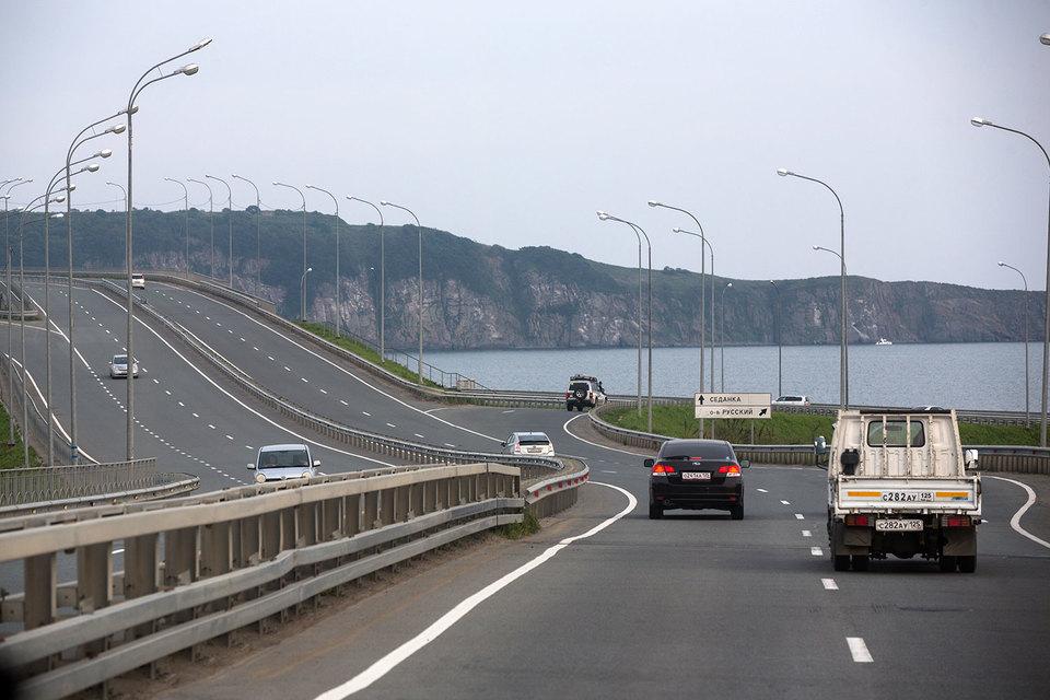 Программа развития Дальнего Востока сконцентрирована на инфраструктуре (например, увеличен ввод новых дорог в 2016 г. со 112 км до 141 км)