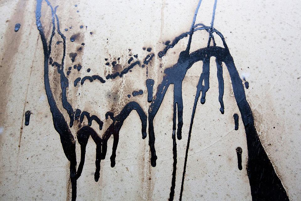 Нефть дешевеет и перестает быть источником процветания