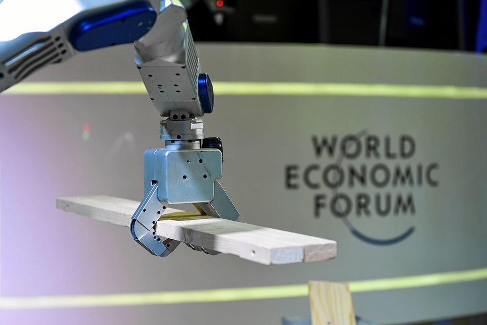 Инновации и технологии могут смягчить для компаний последствия избыточного госрегулирования и волатильности валют