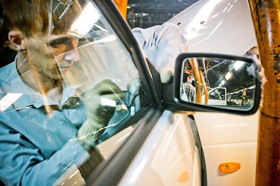 Автозаводы просят продлить финансирование программы временной занятости