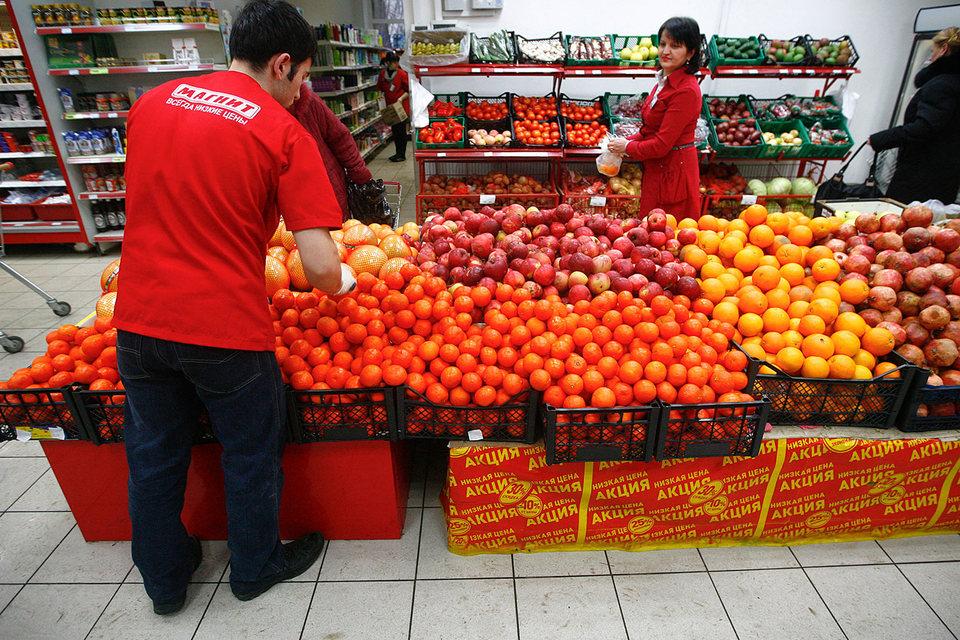 Крупнейший ритейлер и крупнейший импортер продовольственных товаров «Магнит» сократил поставки за 2015 г. почти на 27%