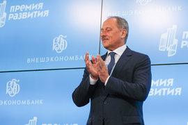 Во II квартале 2016 г. ВЭБу не справиться без господдержки (на фото – его председатель Владимир Дмитриев)