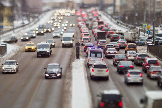 Минпромторг может увеличить цену автомобилей, подпадающих под программу льготного кредитования, и вернуть легковые машины в госпрограмму льготного лизинга