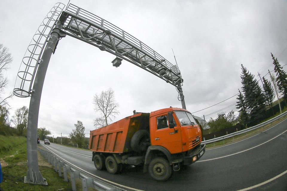Продление сниженного тарифа за «Платон» почти до конца осени может оставить без денег проекты региональных дорог в 2016 г.