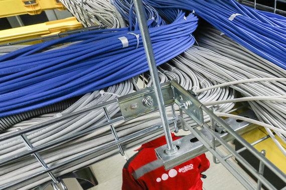 Проблема с доступом в интернет возникла из-за того, что частоты, на которых работает проводная интернет-сеть «Акадо», пересекаются с частотами, на которых работают LTE-сети «Вымпелкома» и «Мегафона»