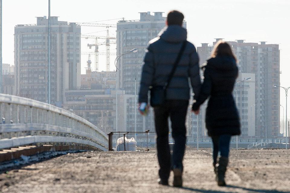 Объемы выдачи ипотечных кредитов в Петербурге снизились вместе с продажами застройщиков