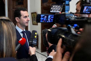 На вопрос, совершал ли он ошибки, Асад ответил, что он человек, значит, он ошибался