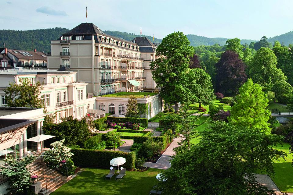 Здание Brenners Park-Hotel & Spa