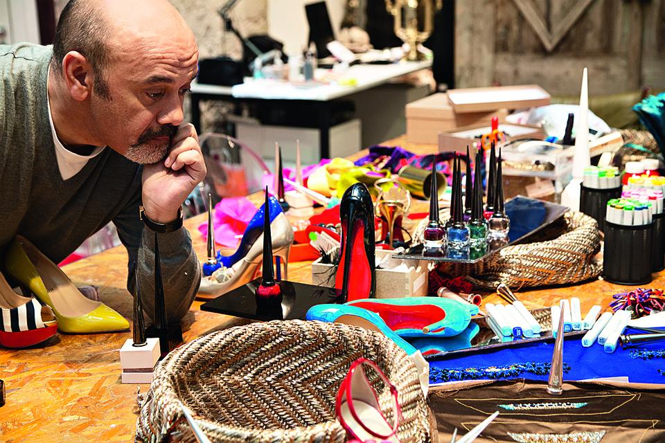 Дизайнер обуви Кристиан Лубутен выпустил серию лаков для ногтей Christian Louboutin