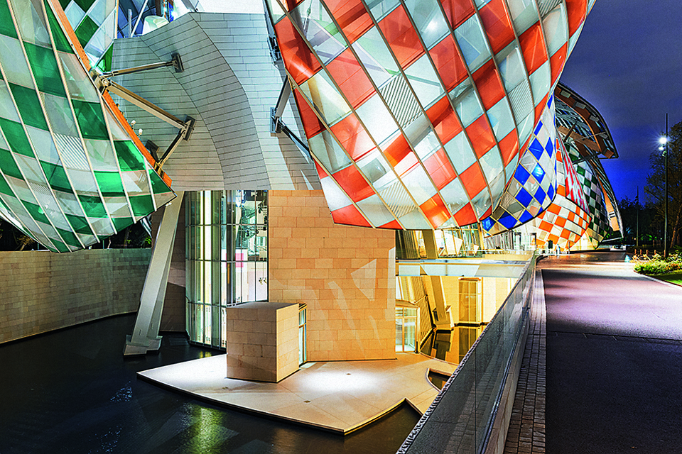 Здание Fondation Louis Vuitton в Париже