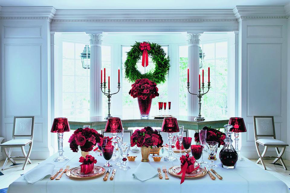 Идея оформления рождественского стола от Baccarat