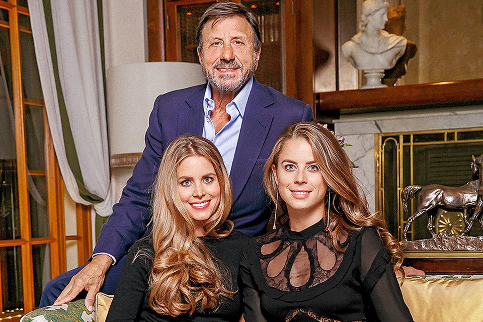 Сэр Рокко с дочерьми Ирен и Лидией